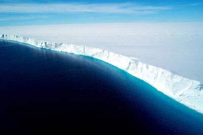Schelfeiskante in der Antarktis