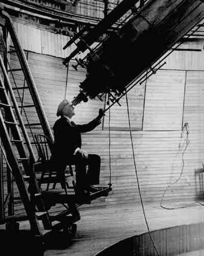 Lowell am Teleskop seines Observatoriums