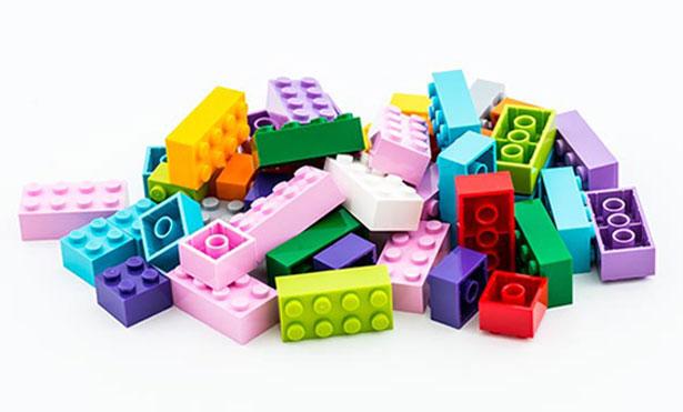 Selbst Legosteine könnten in Zukunft aus Biokunststoff sein.