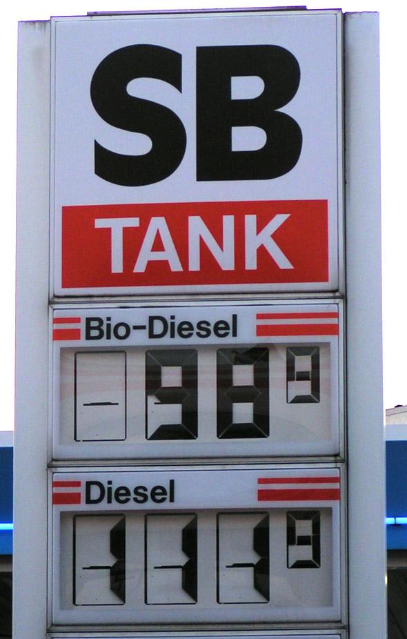 Biodiesel ist wegen Steuervergünstigungen oft die preiswertere Alternative.
