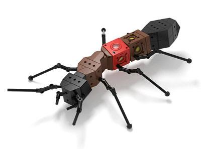 Mit dem Roboterbaukasten Kinematics gebaute Roboterameise