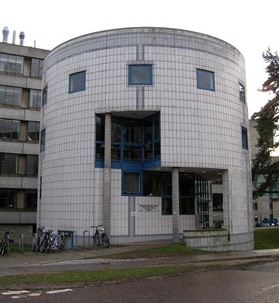 """In diesem Gebäude sitzt die """"Climate Research Unit"""" der Universität East Anglia"""