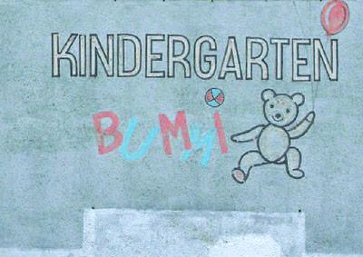 Kinder gibt es in diesem Ort nicht mehr - das Graffiti erinnert an belebtere Zeiten