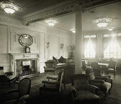 Leseraum der ersten Klasse auf dem A-Deck der  Titanic