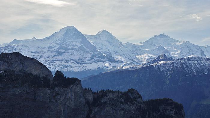 """Die Alpen haben tiefe Wurzeln – sie wollen Forscher nun im Projekt Alp Array erforschen © Friedrich-Karl Mohr/ <a href=""""https://creativecommons.org/licenses/by-sa/3.0/de/deed.de"""">CC-by-sa 3.0</a>"""