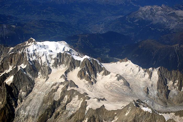 "<span class=""img-caption""> Blick auf den Mont Blanc, den höchsten Gipfel der Alpen.</span> <span class=""img-copyright"">© Joe MiGo/ <a href=""http://creativecommons.org/licenses/by/3.0"">CC-by-sa 3.0</a></span>"