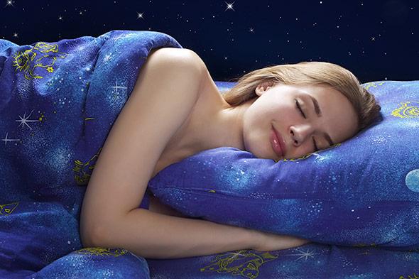 Entscheidend ist die sogenannte REM-Phase des Schlafs, denn in ihr träumen wir