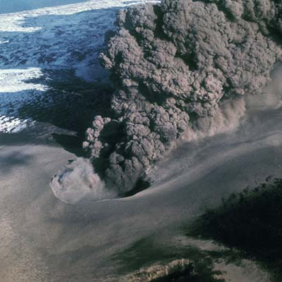 Eruption des Ukinrek-Maares