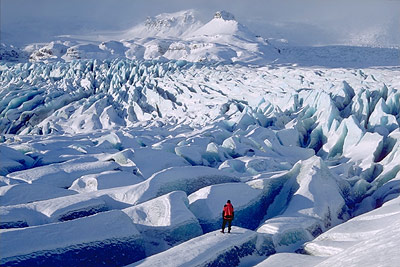 Gletscher prägen noch heute Landschaften, wie hier der Vatnajökull auf Island. Aber ihre Spuren sind auch bei uns noch zu sehen.