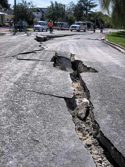 Straßenschäden nach dem Erdbeben in Christchurch