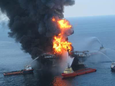 Deepwater Horizon nach der Explosion