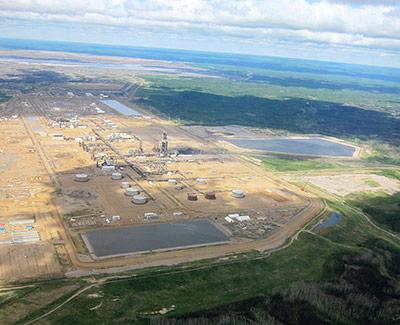Anlage zur Ölsand-Aufbereitung in Alberta, Kanada