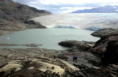Ichthyosaurier-Friedhof am Tyndall-Gletscher
