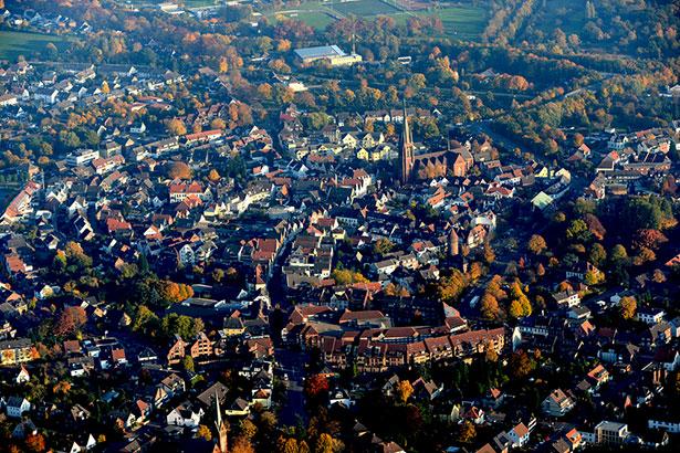 Über der Innenstadt von Haltern dürfen wir tiefer kreisen als über anderen dicht bebauten Gegenden des Ruhrgebiets.