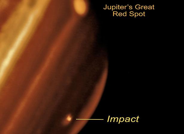 Einschlag eines Objekts auf dem Jupiter im Jahr 2009, aufgenommen mit einem Infrarotteleskop
