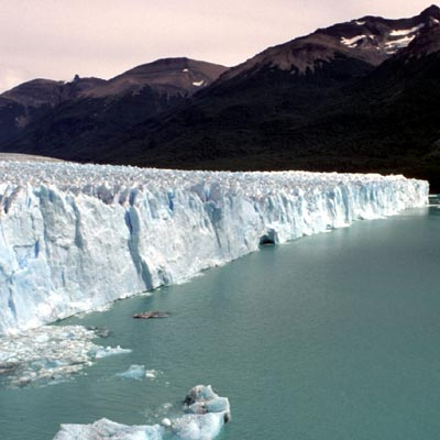 Kalbungszone am Perito-Moreno-Gletscher
