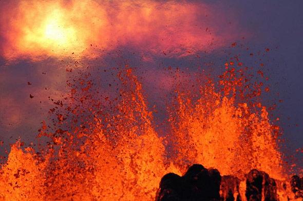 Aufnahme der Lavafontänen am Holuhraun am frühen Morgen des 01.09.2014