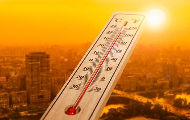 Wochenlang Temperaturen über 30 Grad, kaum Regen und fast ständig Sonne - ist das noch normal?
