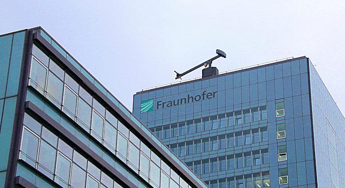 Die Fraunhofer-Gesellschaft wählte sich den Optiker und Physiker zum Namenspatron.