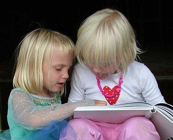 Wer anfangs viel liest, wird schneller besser im Lesen