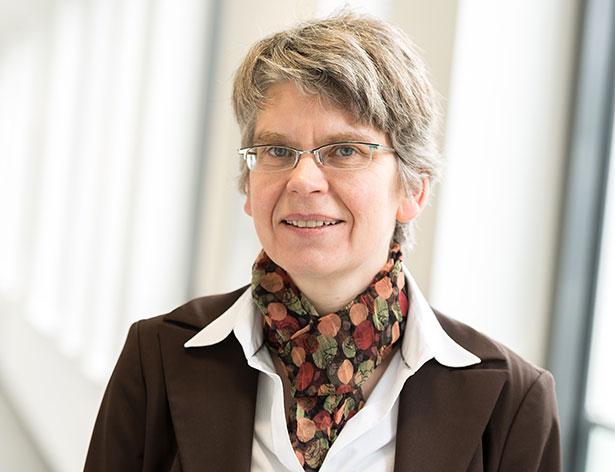 Christina Brandt schlüpft in die Haut der Wissenschaftler, die vor über 30 Jahren das Klonverfahren weiterentwickelt haben.