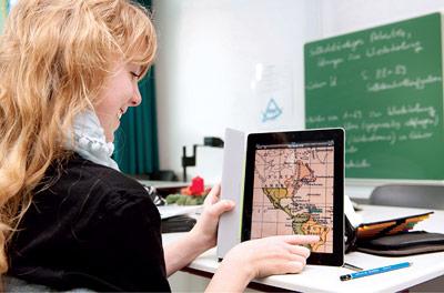 Computerspiele, Internetsurfen und Chatten würden möglicherweise weniger mit dem in der Schule Gelernten konkurrieren, wenn digitale Medien stärker in den Unterricht einbezogen würden.