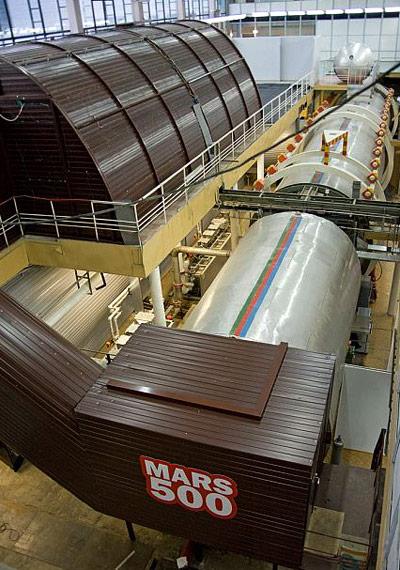 Außenansicht zweier der Mars-500 Container