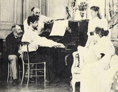 Claude Debussy (hier am Klavier) war ebenfalls Migräniker