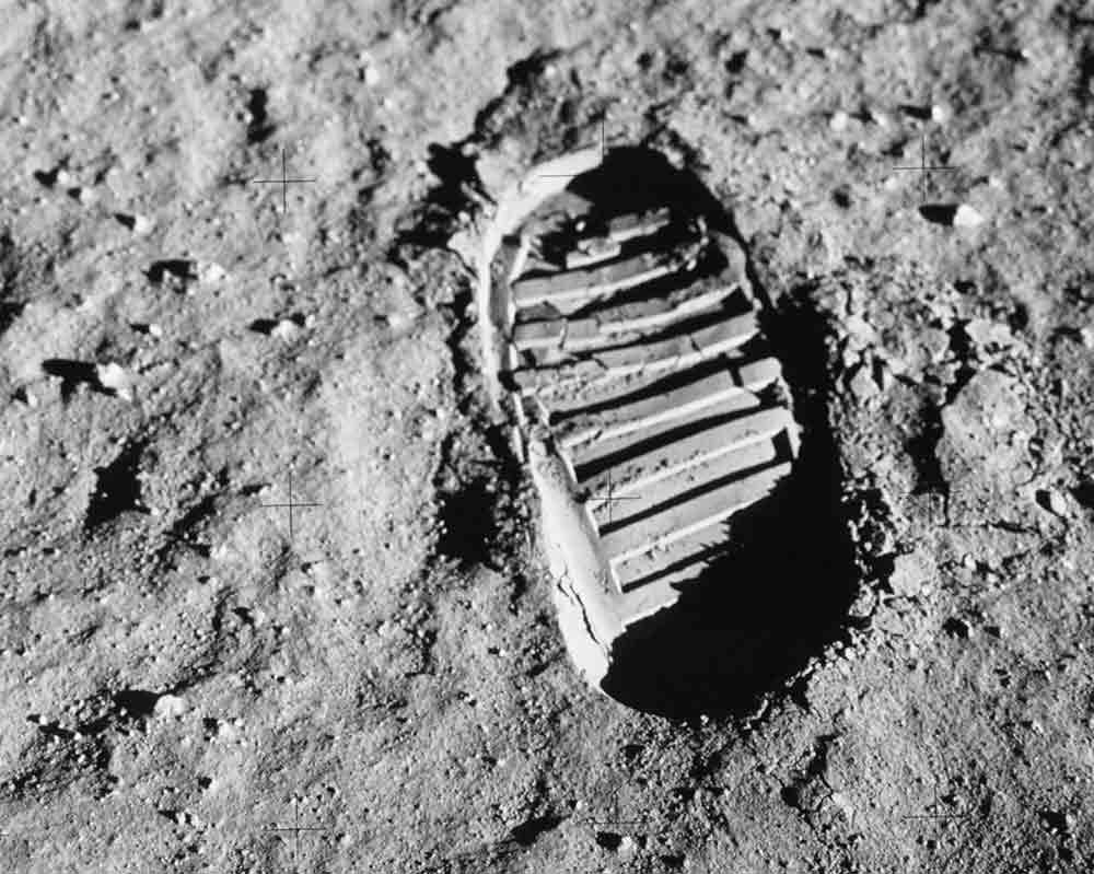 "<span class=""img-caption""> Fußabdruck des Apollo-11-Astronauten Buzz Aldrin auf dem Mond.</span> <span class=""img-copyright"">© NASA</span>"