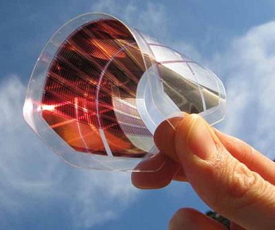 Hochflexibel und dünn: organische Solarzelle