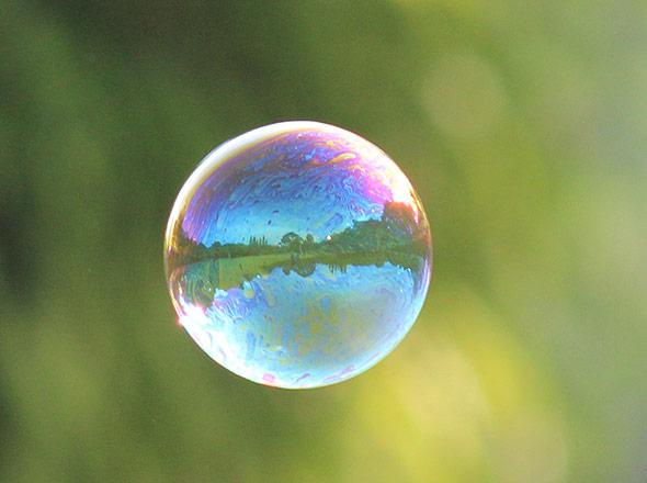 Nicht substanzieller als eine Seifenblase?