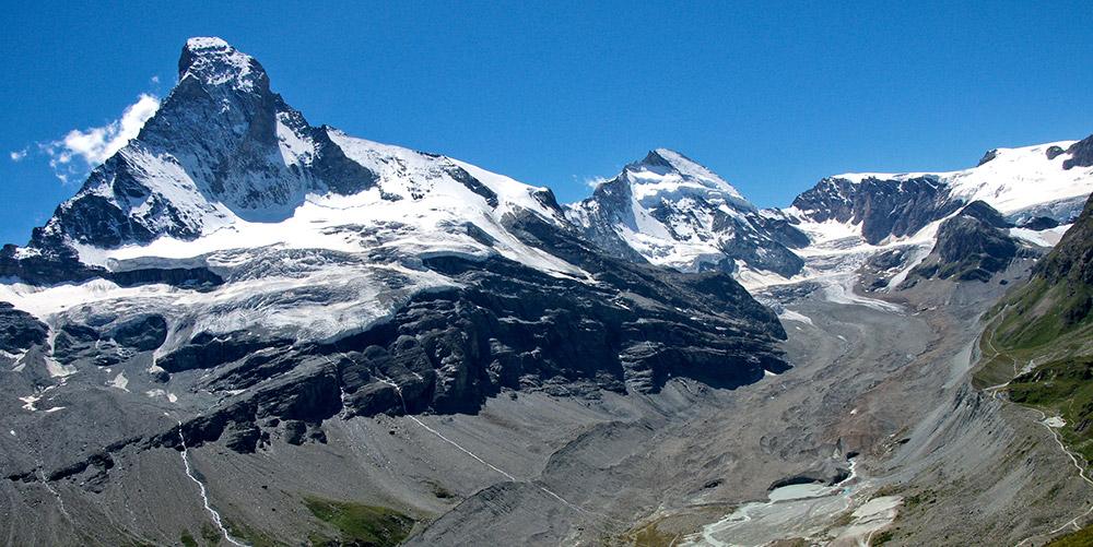 Blick aufs Matterhorn. Ein Sensornetz an diesem Berggipfel liefert seit zehn Jahrne einzigartige Daten.© Jackph/ gemeinfrei