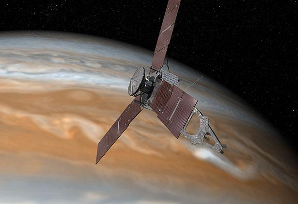Die Raumsonde Juno wird im Laufe ihrer Orbits der strahlungsreichen Atmosphäre des Gasriesen gefährlich nahe kommen.