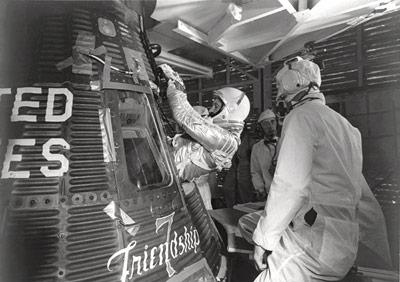 Erst fast ein Jahr später, im Februar 1962, startete John Glenn mit der Mercury zur ersten Erdumrundung durch einen Amerikaner.