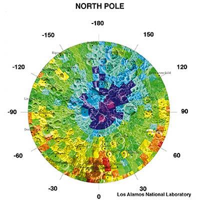 Karte der Neutroneneigenschaften am lunaren Nordpol der Sonde Lunar Propector. Blau könnte auf Wassereis hindeuten.