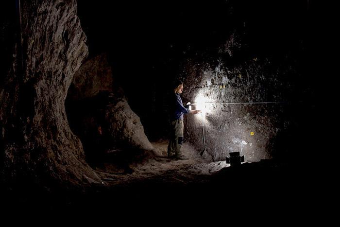 Ausgrabung in einer der Salzminen von Chehrābād im Iran – hier wurden mehrere antike Salzmumien gefunden.