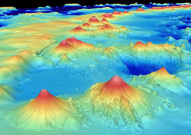Typisch für viele vulkanische Seamounts ist ihr Vorkommen in ganzen Ketten, wie hier entlang des Marianengrabens.