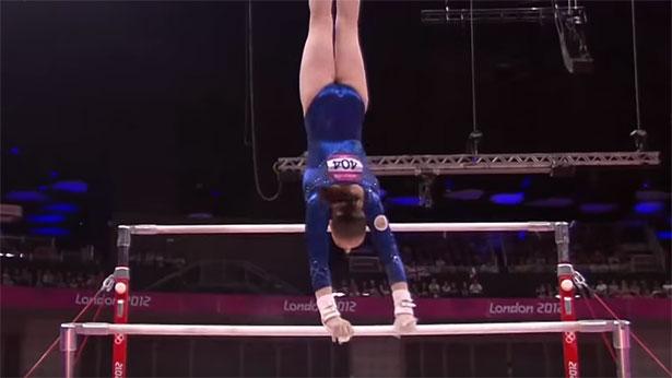 Ob beim Salto oder hier beim Barren: Drehbewegungen spielen auch bei Olympia eine wichtige Rolle.