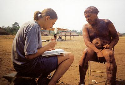 Der DobeS-Wissenenschaftler Sebastian Drude dokumentiert Sprache und Kultur der Awetí in Brasilien.