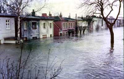 Überflutete Wohnhäuser in Wilhelmsburg