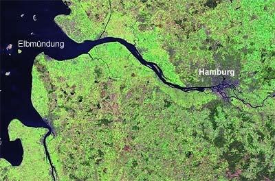 Hamburg liegt rund 80 Kilometer von der Elbmündung entfernt