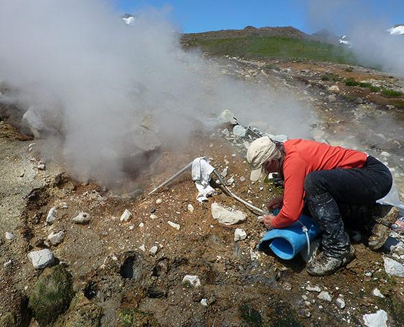 Die Frühwarnung ist schwierig: Gasmessung an einem Vulkan