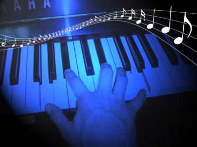 Für den Musik-Farb-Synästhet Julian Asher ist Klaviermusik blau