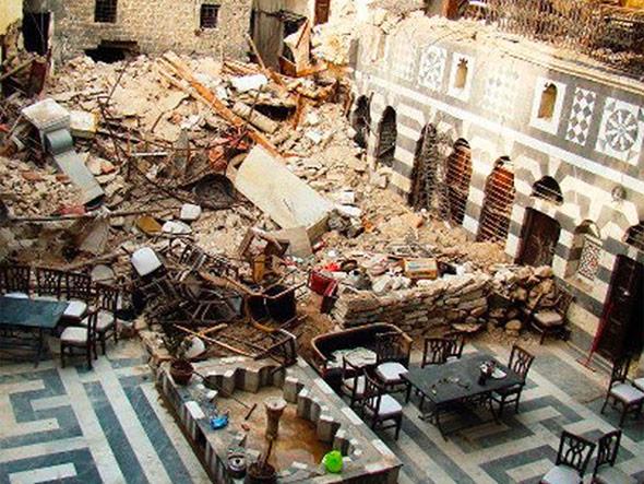 Kriegsbedingte Schäden an historischen Gebäuden in der syrischen Stadt Homs