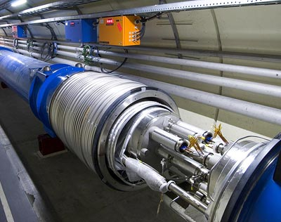 Magneten des Beschleunigerrings vor ihrer Verbindung