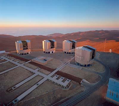 Das Very Large Telescope der Europäischen Südsternwarte (ESO) ist in das GRB-Warnsystem des Weltraumteleskops Swift eingebunden.