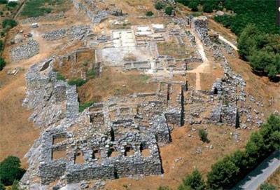 Blick auf die Ruinen der mykenischen Stadt Tiryns