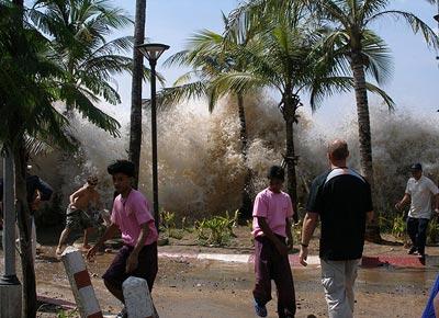 Auftreffen des Tsunami vom 26. Dezember 2004 auf die Küste Thailands