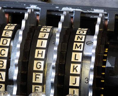 Blick auf die Buchstaben der Enigma-Walzen