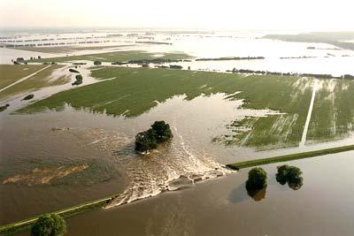 Hochwasser der Elbe im August 2002